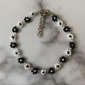 Balance daisy chain bracelet